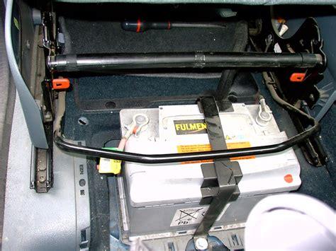 siege pour batterie aide pour accéder à la batterie sur renault scenic phase 1