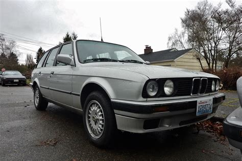 bmw 318 touring seattle s parked cars 1988 bmw 318i touring