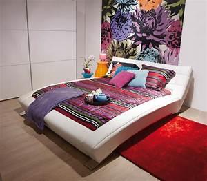 Lit Chez But : lit du catalogue de chez meubles olay photo 6 10 lit sur pieds en cuir blanc ~ Teatrodelosmanantiales.com Idées de Décoration