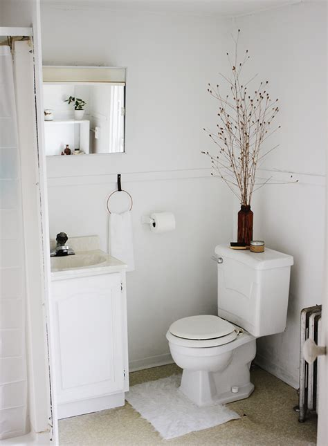 Apartment Bathroom Makeover by Apartment Bathroom Makeover The Merrythought