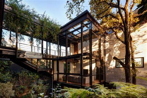 stunning la casa en el bosque tree house proves