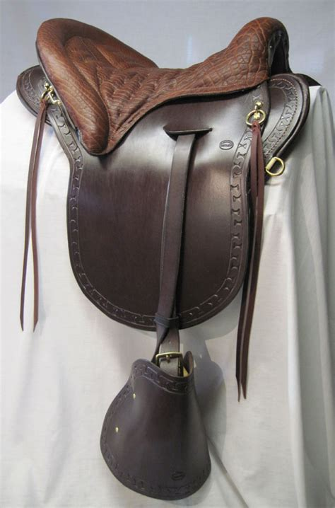 saddle horse saddlery hillcrest saddles riding ride plantation trail custom tack fave equestrian everyday stuff equipment accessories equine link