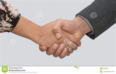 un si鑒e una donna e un uomo che stringono le immagine stock immagine 50981201