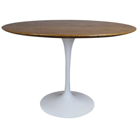 tulip table eero saarinen tulip base dining table at 1stdibs