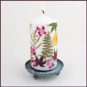 Kerzen Verzieren Weihnachten : col phon kerze gepresste blumen geschenke basteln kerzen gestalten und kerzen basteln ~ Eleganceandgraceweddings.com Haus und Dekorationen