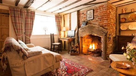 spadgers cottage  open fire long melford suffolk