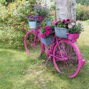 Altes Fahrrad Deko : 33 bicycle flower planters for the garden or yard home stratosphere ~ Orissabook.com Haus und Dekorationen