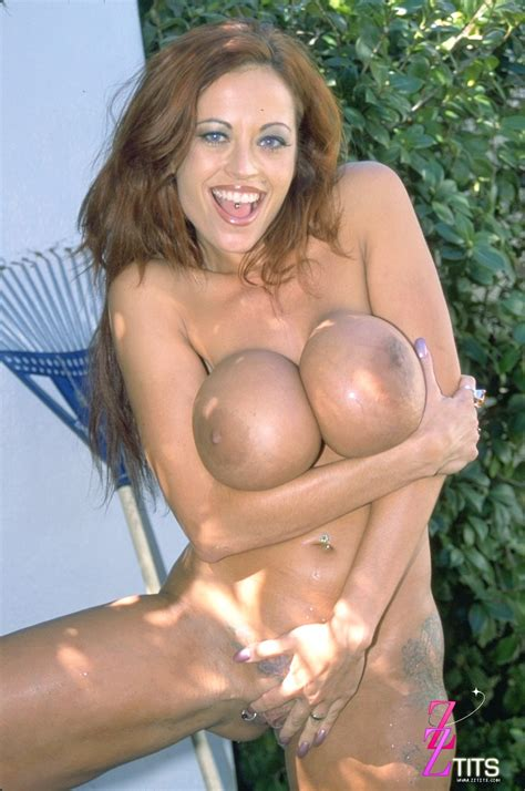 Donita Dunes Dildo Backyard Sex Photo