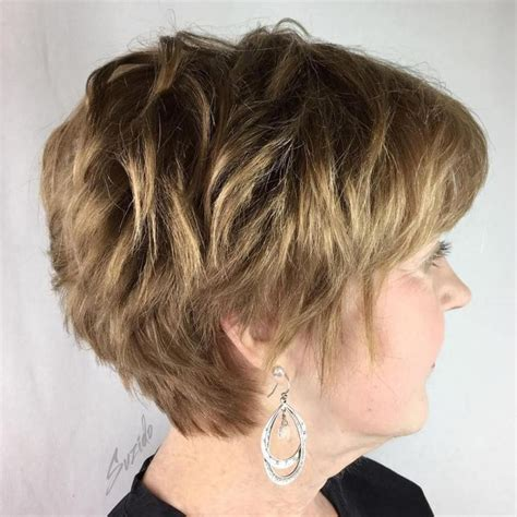 wedge haircuts for gray hair 25 best ideas about wedge haircut on 3301