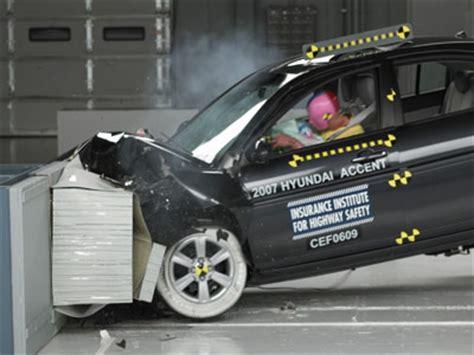 test crash siege auto how car testing works howstuffworks