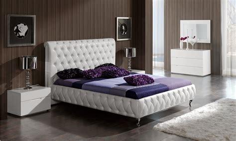 adriana modern bedroom set