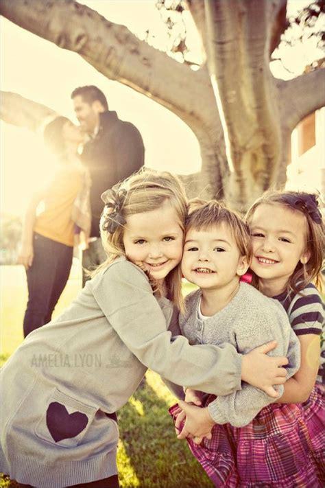 family picture pose ideas   children capturing joy