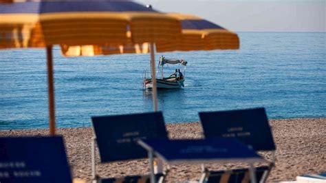 dormire a giardini naxos atahotel naxos hotel per bambini al mare a giardini