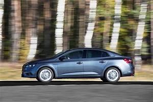 Megane 4 Coupé : 2017 renault megane sedan has full specs sheet revealed autoevolution ~ Medecine-chirurgie-esthetiques.com Avis de Voitures
