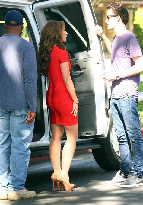 Jennifer Love Hewitt Filming The Client List Sexy Leg Cross