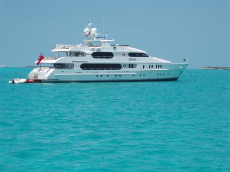 Pictures Of Tiger Woods Boat by Luxury Yachts And Fame On Yachts