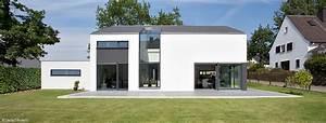 Moderne Häuser Mit Satteldach : holzhaus bungalow modern ~ Lizthompson.info Haus und Dekorationen
