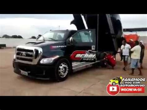 Fmonster Cachorrona Mega Truck Andando Com ParedÃo
