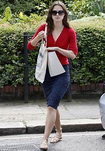 Keira Knightley goes make-up free in red cardigan and navy ...