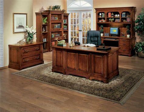 bureau cosy le bureau en bois massif est une classique qui ne se