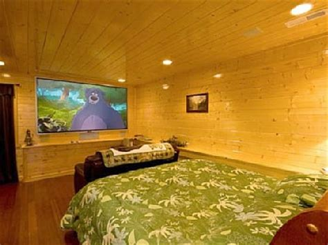 bedroom surround sound 7 awesome bedroom home theater setups hooked up installs 10696 | pic4