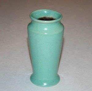 Vase Bleu Canard : medalta potteries no 2 vase canadian pottery pinterest ~ Melissatoandfro.com Idées de Décoration