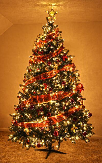 25 stunning apartment christmas decoration ideas