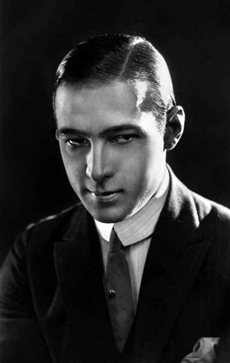 1920 Mens Hairstyles Pictures by 1920s Hairstyles For Cuts Topped With A Hat