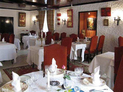 hotel de l echo la chaise dieu l 201 cho et l abbaye craponne sur arzon a michelin guide restaurant