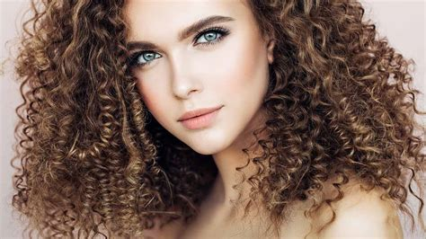 10 Hair Color Ideas For Curly Hair Loréal Paris