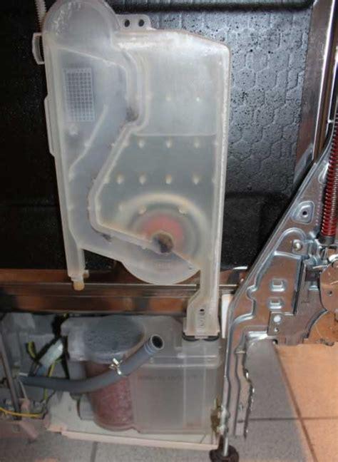bosch spülmaschine zieht kein wasser geschirrsp 252 ler progress aquastop ausgel 246 st durch wasser in der wassertasche hausger 228 teforum