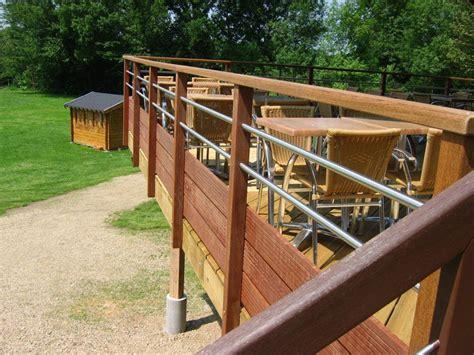 garde corps bois et inox pour terrasse bois courante en bois inox pour terrasse suspendue