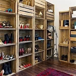 Meuble à Chaussures Original : id es originales de meubles en palettes chaussures originales d coration fran aise et originaux ~ Teatrodelosmanantiales.com Idées de Décoration