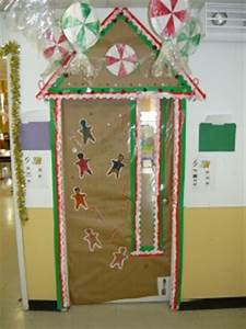 "Holiday Door Decorating Contest at Petrides ""J"" Building"