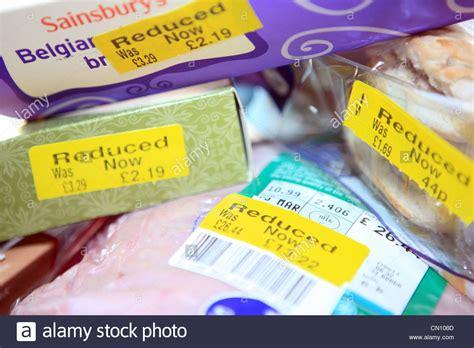 günstig lebensmittel einkaufen supermarkt stockfotos supermarkt bilder alamy