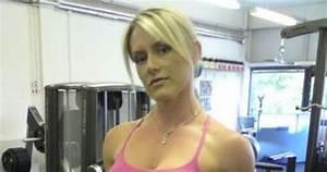 anuncios de bebidas com mulheres em bikini