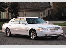 200311 Lincoln Town Car Consumer Guide Auto