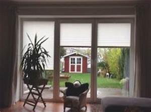 Vorhang Tür Wärmeschutz : plissees als fensterdeko im wohnzimmer pleated blinds as window decoration in a living room ~ Orissabook.com Haus und Dekorationen