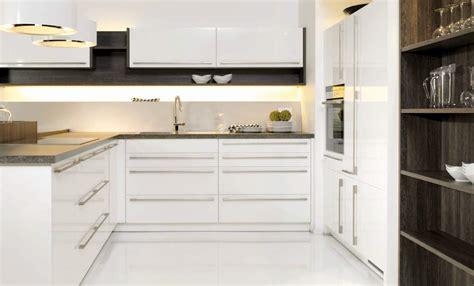 modeles cuisines cuisine blanc brillant 2392 magic menuiserie dufays