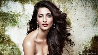 Sonam Kapoor Bollywood Actress Wallpapers 1366