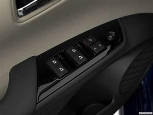 Toyota Prius Versions : toyota prius 2017 eco in kuwait new car prices specs reviews photos yallamotor ~ Medecine-chirurgie-esthetiques.com Avis de Voitures