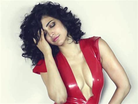 25 Hot & Seducing Hd Wallpapers Of Shruti Haasan