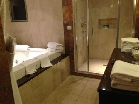la salle de bain avec à l 39 italienne