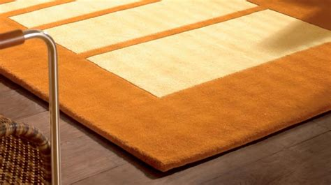grand tapis en laine beige  jaune motifs rectangulaires