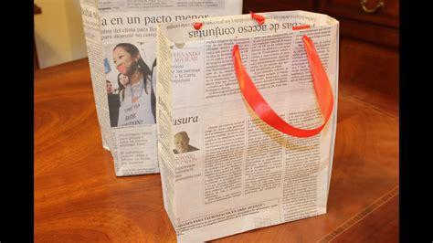 reciclar periodicos bolsa de regalo diy newspaper gift