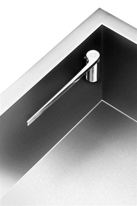 magnetic sink cloth holder
