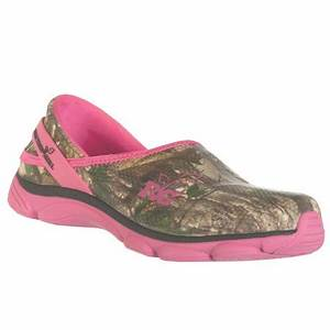 Realtree Outfitters Womenu0026#39;s Lola Slip On Shoes Pink u0026 Green Camo 9 M - Walmart.com