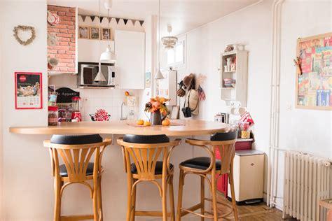 cuisine appartement parisien faience cuisine et blanc