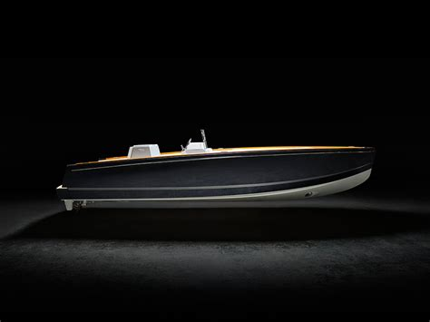 Hinckley Yachts News by Hinckley Unveils Dasher The World S Fully Electric