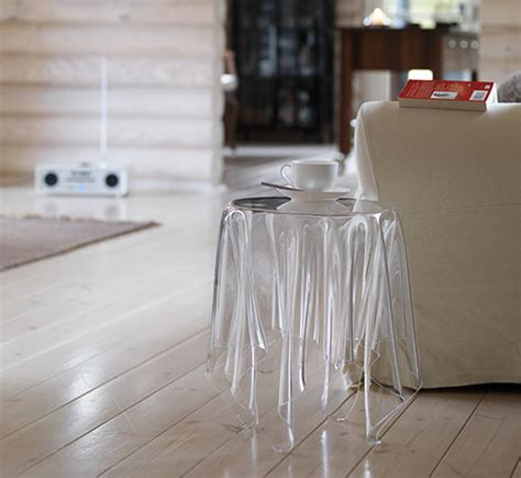 essey illusion cear side table  acrylic essey illusion